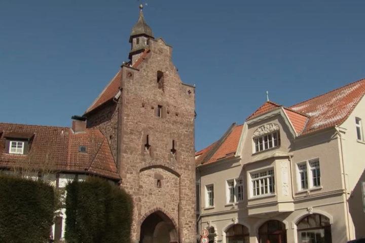Um dieses Stadttor in Blomberg besser sehen zu können, wurde die Bäume gefällt.
