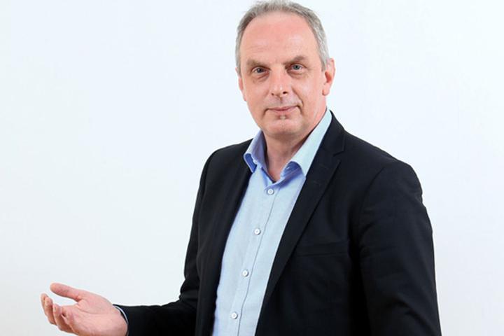 Stadtrat Detlef Müller (53) will Verkehrssimulation und eine neue Spur für die Neefestraße.