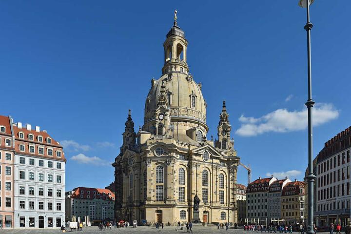 Neben der Frauenkirche will Beppo seine Galgen-Show aufführen.