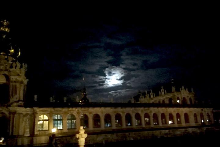 Vollmond über Dresden.