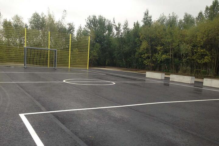 Schöne neue Basketball- und Fußballfelder laden zum gemeinsamen Sporteln ein.