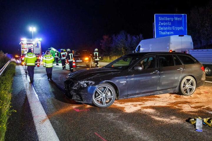 Unfall auf der A 72: Ein VW mit Anhänger hatte beim Spurwechsel diesen BMW übersehen.
