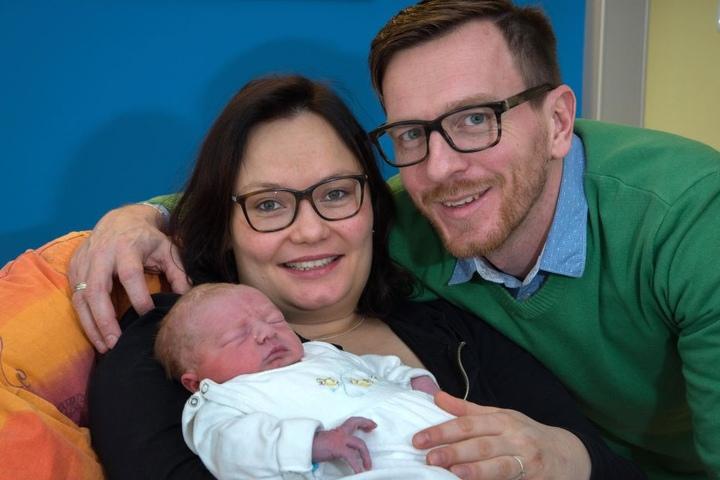 Madlen und Martin Krause freuen sich über ihren zweiten Sohn Konstantin.