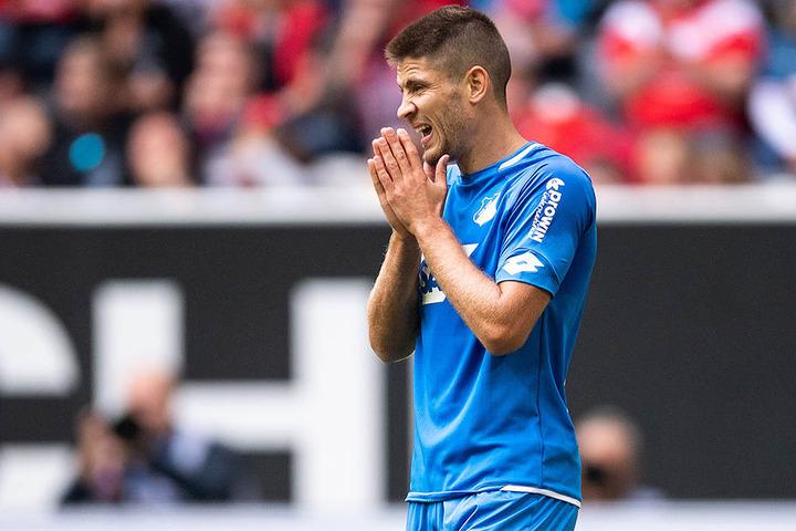Andrej Kramaric haderte mit der unglücklichen Auswärtsniederlage seiner TSG 1899 Hoffenheim bei Fortuna Düsseldorf.