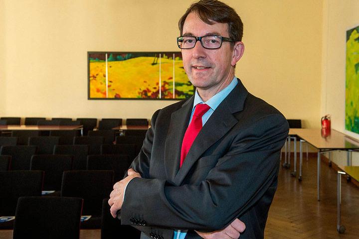 Winfried Kluth (59), Professor für Öffentliches Recht in Halle, hält die Pläne der Stadt für nicht rechtmäßig.