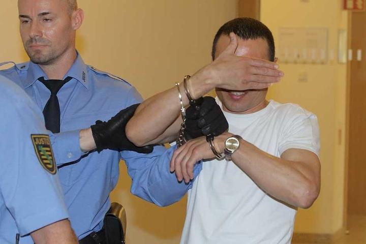 Issam A. (32) musste nach der Attacke mit dem Kochgeschirr am Kopf genäht werden.