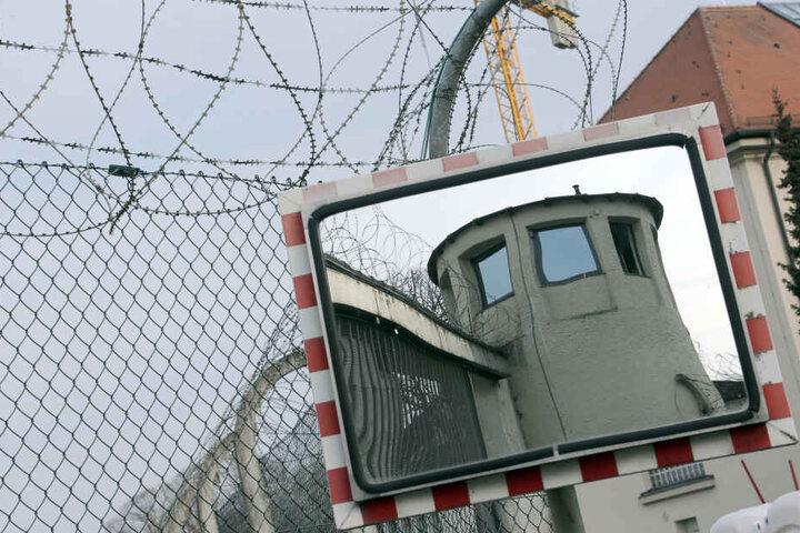 In der Justizvollzugsanstalt Landsberg musste der wegen Steuerhinterziehung verurteilte Uli Hoeneß seine Haftstrafe antreten. (Archivbild)