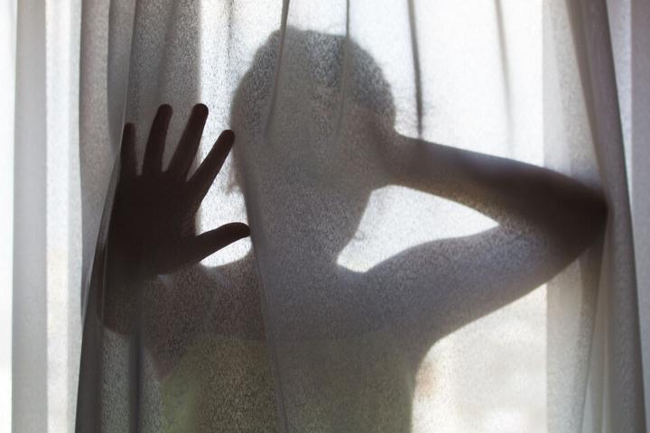 Das Mädchen wurde gezwungen Nacktfotos und Videos von sich zu schicken. (Symbolbild)