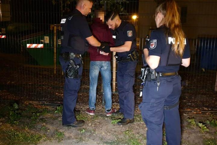 Ein Jugendlicher wurde vorläufig festgenommen.