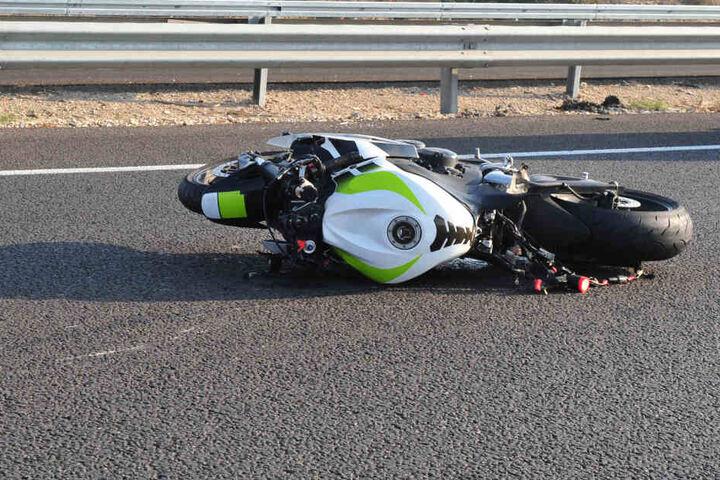 Der 60-jährige Motorradfahrer starb an der Unfallstelle (Symbolbild).