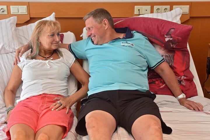 Ein Paar, das in schweren Stunden zusammenhält: Gabriela (55) und Karsten Felber.