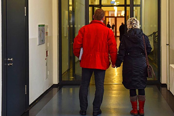 Dietmar W. (41) und seine Frau Karin (39) kamen am Montag wieder umsonst ins  Gericht.