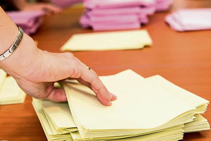 Nach Schließung der Wahllokale beginnt das große Zählen. Und manchmal muss auch nachgezählt werden.