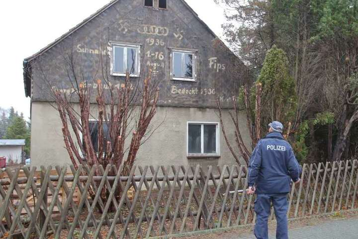 Zum Vergleich: So sah das Haus noch am Montag aus.