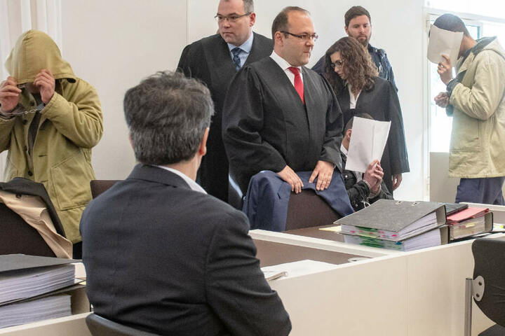 Einer der im Zuge der Prügelattacke in Amberg verurteilten Asylbewerber wurde nun abgeschoben.