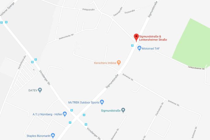 In Nürnberg ist es zu einem schweren Verkehrsunfall gekommen. Eine Fußgängerin wurde verletzt.