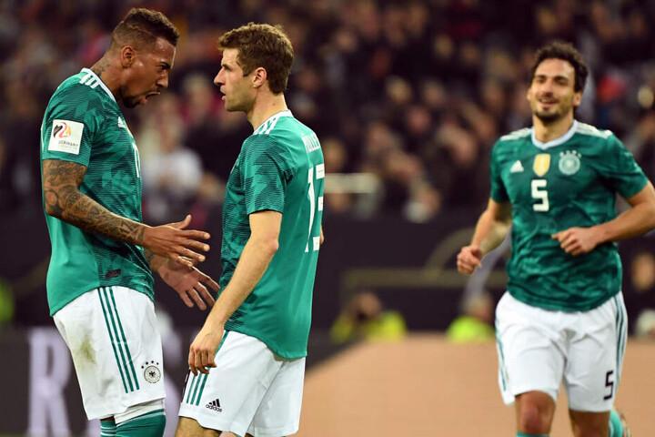 Jerome Boateng (l-r), Thomas Müller und Mats Hummels sind bei der nächsten EM 2020 nicht mehr dabei. (Archivbild)