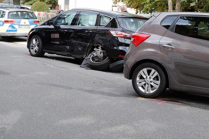 Die Straße wurde nach dem Crash gesperrt.