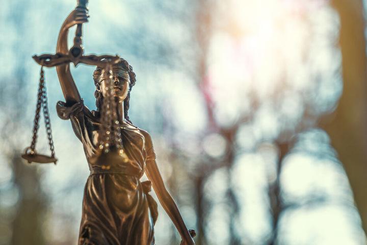 Mit der verhängten Strafe von 90 Tagessätzen zu je 30 Euro folgte das Gericht dem Antrag des Staatsanwalts. (Symbolbild)