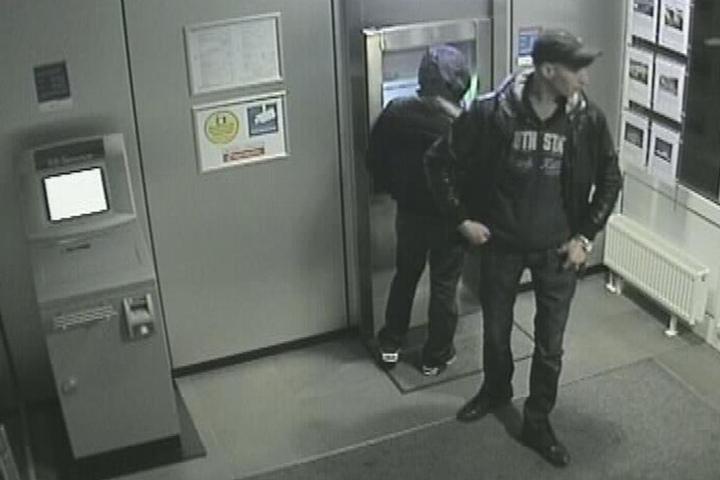Polizei Höxter fahndet nach Einbrechern