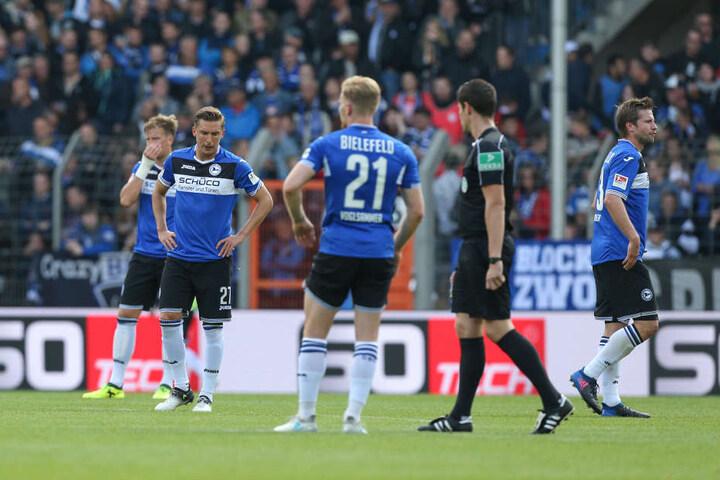 Lange Gesichter beim DSC: Am 5. Spieltag mussten die Bielefelder die erste Saison-Niederlage einstecken.