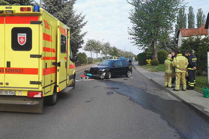 Ein 22-jähriger Moped-Fahrer wurde verletzt.