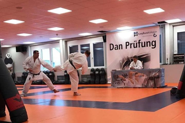 2017 absolvierte Giovanni Lombardi (links) seine Dan-Prüfung.