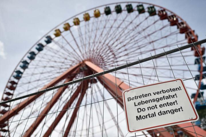 Das Wahrzeichen des einst so belebten Vergnügungsparks in Berlin: Das Riesenrad.