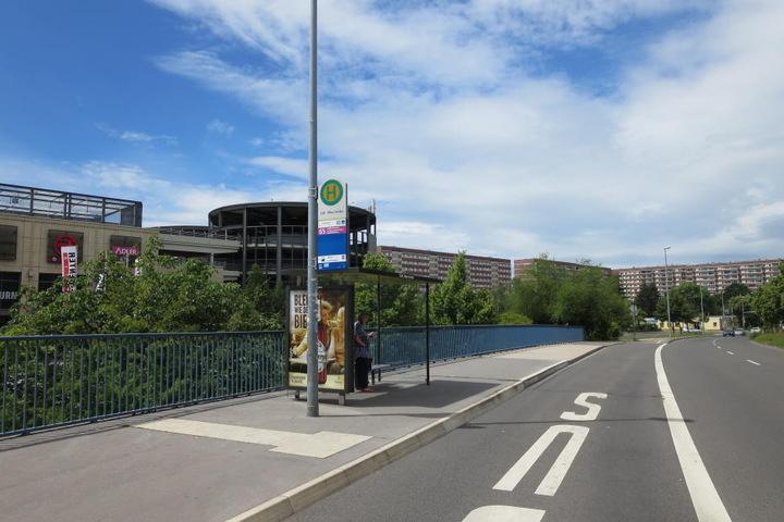 Die Schönauer Straße in Leipzig-Grünau: Hier traf der Kidnapper auf das 12-jährige Mädchen.