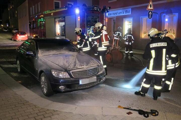 Die Feuerwehr Aue vor Ort.