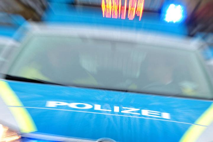 Die Polizei untersagte dem betrunkenen 28-Jährigen die Weiterfahrt (Symbolbild).