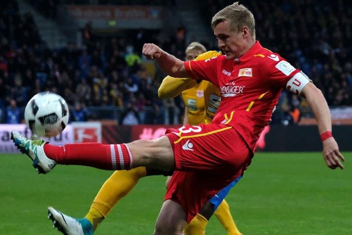 Felix Kroos bleibt auch in der kommenden Saison Kapitän von Union Berlin.