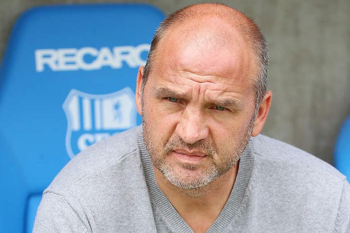 Sportdirektor Steffen Ziffert will beim CFC jetzt die Zügel anziehen.