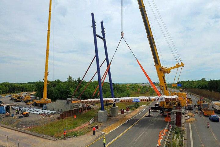So sah die Baustelle im vergangenen Sommer aus. Bald sollen die Bauarbeiten an der Pylonbrücke abgeschlossen werden.
