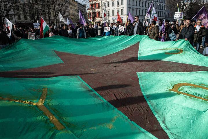 Bei den Demos gingen in ganz Deutschland Tausende Menschen auf die Straße.