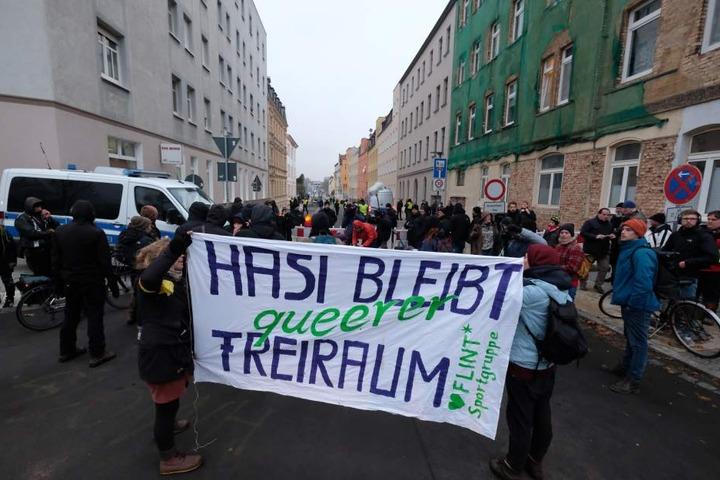 Gegen den ersten Versuch am 21. November hatten bereits einige Hundert Menschen demonstriert.