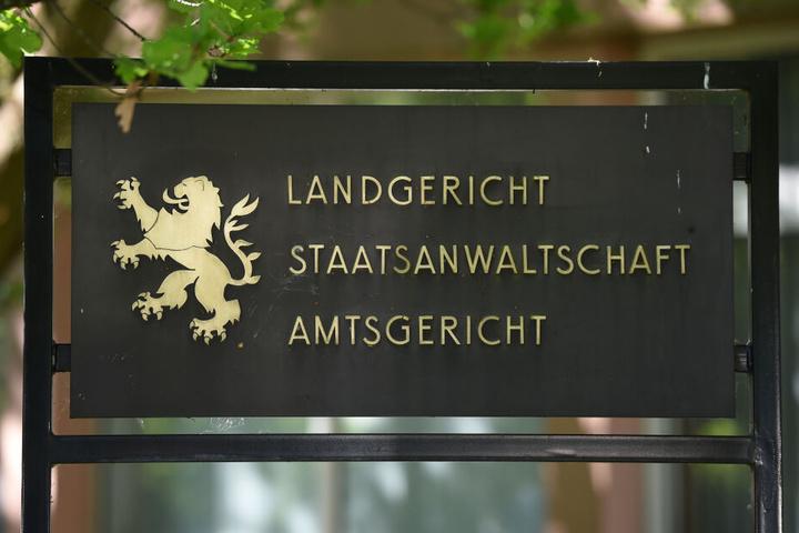 Der Prozess findet vor dem Landgericht in Marburg statt (Symbolbild).