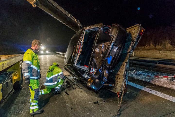 Die Autobahn war durch den Unfall mehrere Stunden lang blockiert.