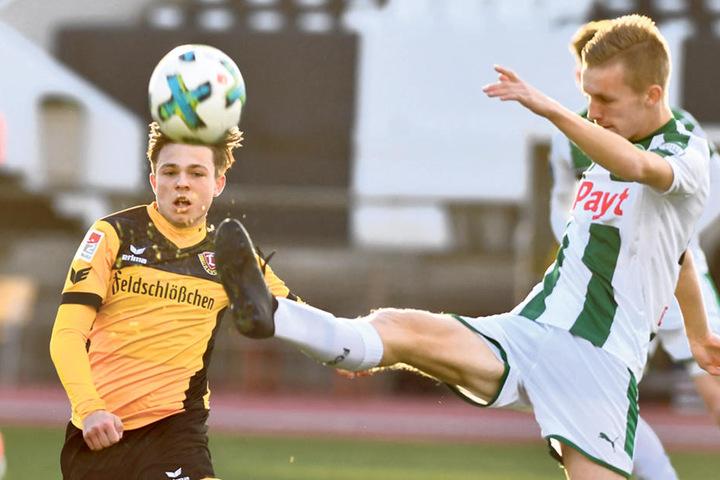 Youngster Vasil Kusej (l., gegen Gerald Postma) kam eine Viertelstunde vor Schluss in die Partie.
