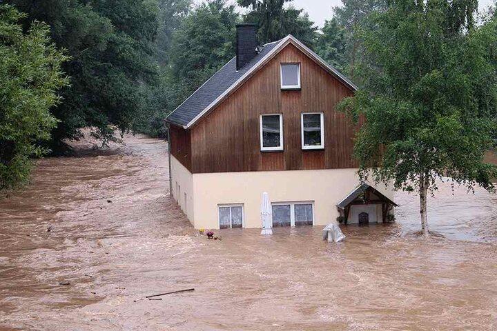 Das Haus von Tino Frohberg wurde vor zehn Jahren von der Würschnitz eingeschlossen.