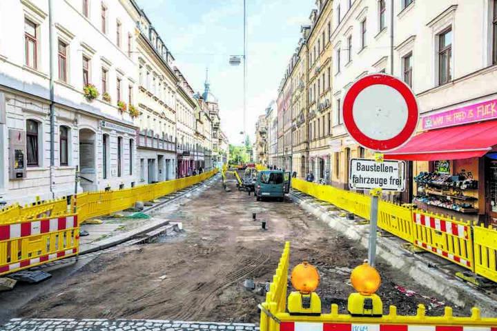 A Eine Baustelle nach Plan: In der Louisenstraße wird momentan fleißig  gebaggert.