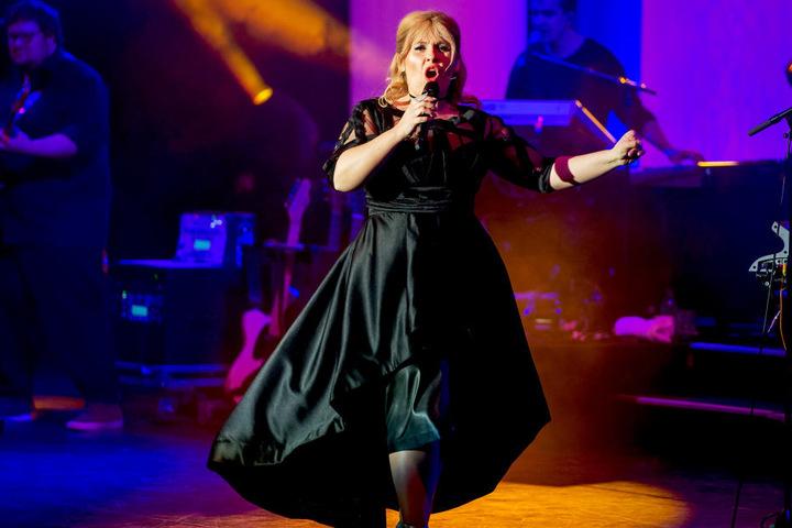 Am Sonntagabend heizte die Sängerin in der Chemnitzer Stadthalle ein.