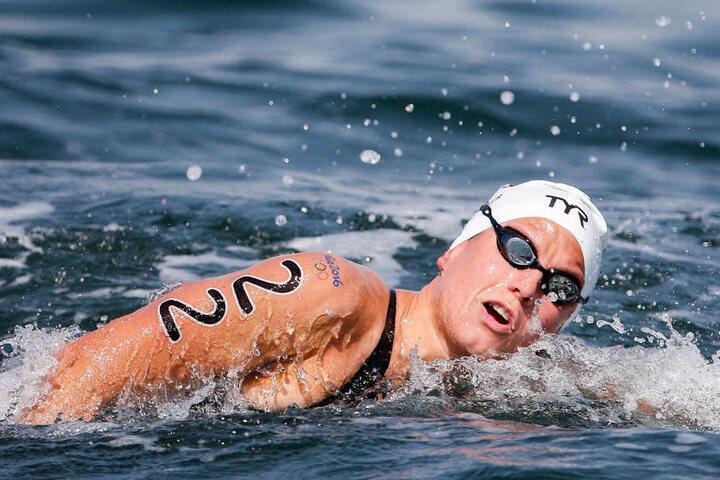 Aurelie Muller (26) kann jetzt nur noch vom Beckenrand zuschauen. Sie wurde nach der unsportlichen Aktion disqualifiziert.