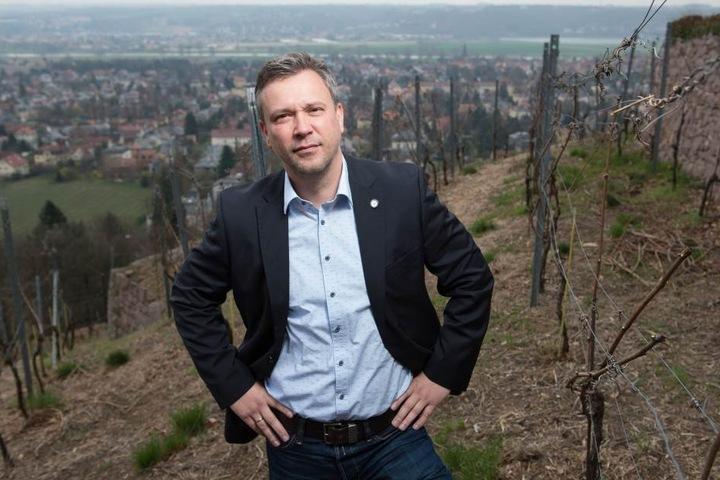 Lars Klitzsch ist Vorsitzender des sächsischen Weinbauverbandes, dessen Mitglieder heute zum Tag des offenen Weingutes einladen.
