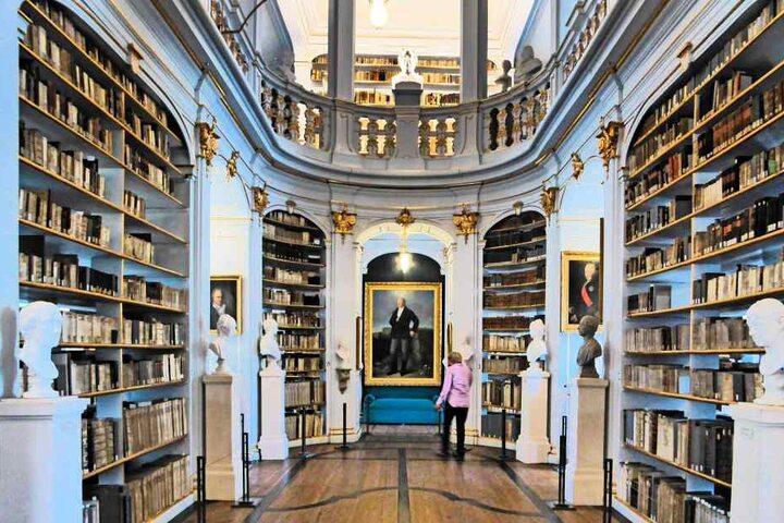 Das Zentrum für Bucherhaltung in Leipzig rettete die Bücher der ausgebrannten Anna-Amalia-Bibliothek in Weimar.