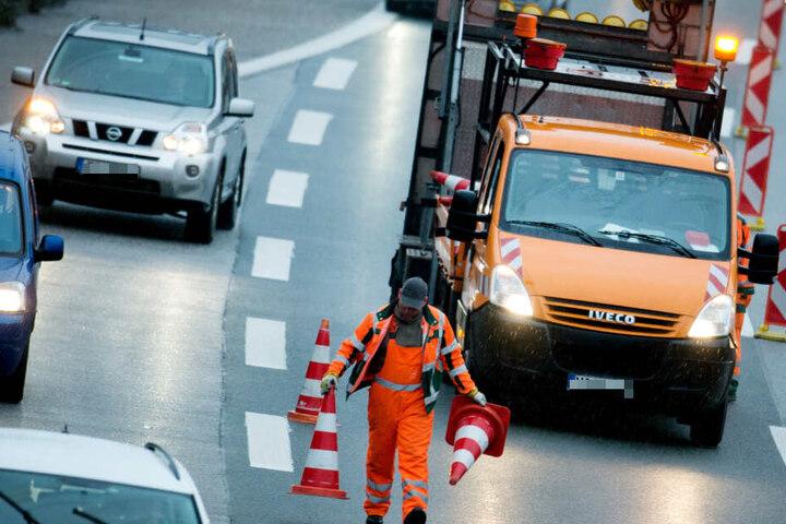 Für 24 Stunden muss ein Teilstück der A14 nördlich von Magdeburg gesperrt werden. (Symbolbild)