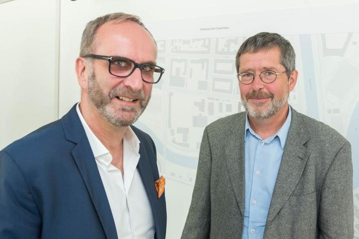Matthias Horst (52, li.) organisiert das Verfahren. Professor Thomas Will  (66) gab gestern erste Ideen.