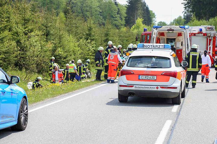 Die Insassen kamen verletzt ins Krankenhaus.
