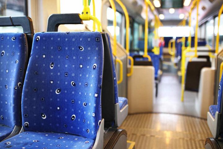 In einem Regiobus kam es zur Attacke. (Symbolbild)