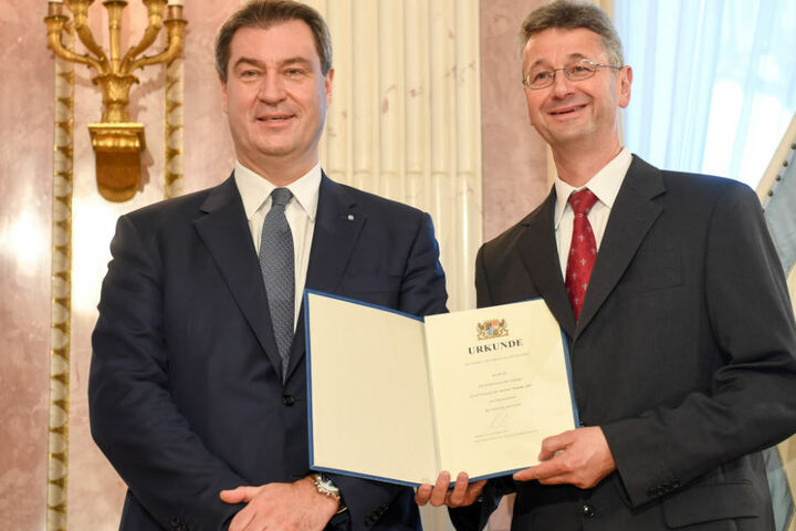 Michael Piazolo (r.) ist ein Teil des neuen Kabinetts von Markus Söder (l.) in Bayern.
